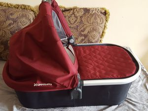 Uppa Bassinet for Sale in Queens, NY
