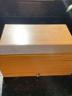 Wooden Jewelry Box for Sale in San Leandro,  CA