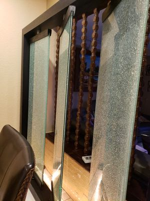 GLASS ROOM DIVIDER LIKE NEW for Sale in Hialeah, FL