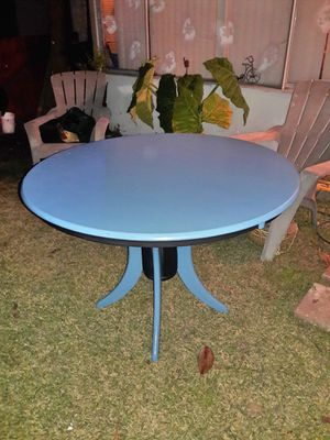 Cute dining table for Sale in Fullerton, CA