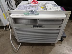 Frigidaire Window Air Conditioner AC 15,100 BTU Model number FFRE15L3Q14. 2 remotes 2 years old for Sale in Woodinville, WA