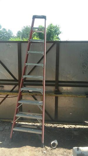 Werner 10 ft fiberglass ladder for Sale in College Park, GA