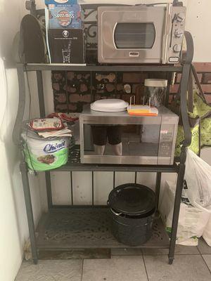 Steel bakers rack. for Sale in Boynton Beach, FL