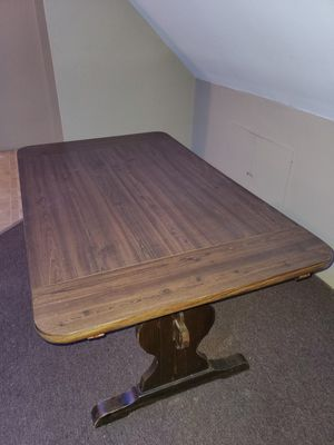 Dining room table set plus 4 chairs. (Free must pick up) Comes apart if needed for Sale in BRODHEADSVLLE, PA