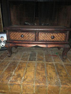 Decorative small shelf for Sale in Grand Prairie, TX