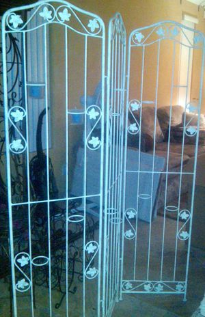 Iron room screen divider with candle holders for Sale in San Diego, CA