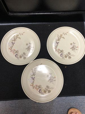 Vintage china royal doulton bredon hill plates lot of 3 for Sale in Inman, SC