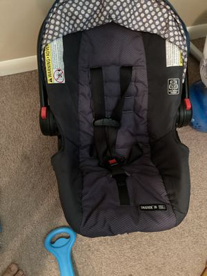 Car seat with base for Sale in La Vergne, TN