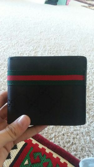 Authentic Gucci wallet for Sale in Prosper, TX