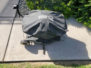 Weber Q with Cover and Stand for Sale in Ceres, CA