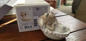 Lladro Dulces Suenos Comforting Dreams Porcelain Figurine 6710 for Sale in San Diego, CA