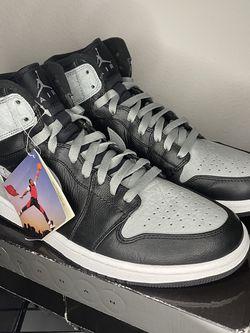 """Air Jordan 1 Retro High """"Shadow"""" 2009 for Sale in Hanford,  CA"""