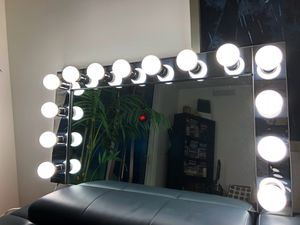 VANITY MIRROR FOR SALE for Sale in Miami, FL