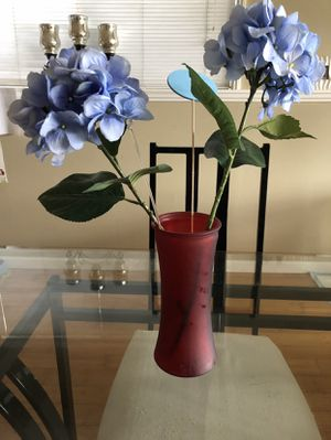 Red flower vase for Sale in Renton, WA