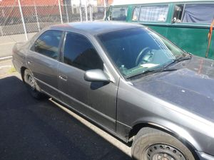 99 Toyota Camry for Sale in Portland, OR