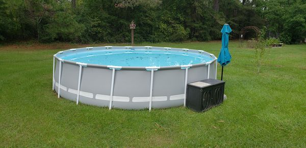 18 Above ground pool