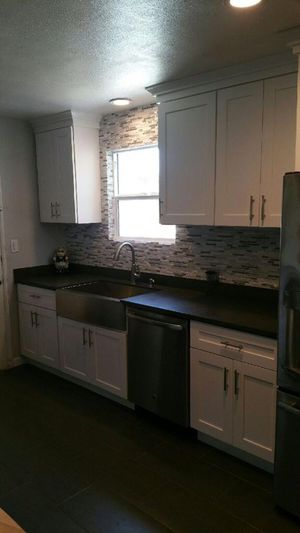 Kitchen for Sale in March Air Reserve Base, CA