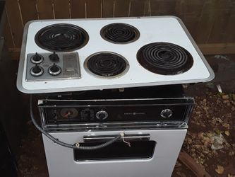 Oven and range for Sale in Abilene,  TX