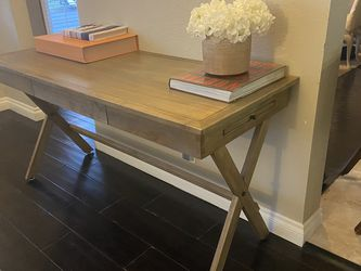 Gorgeous Wood Desk For sale! for Sale in Los Angeles,  CA