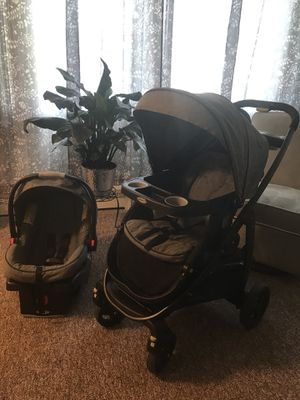 Graco travel system. Car seat and stroller for Sale in Buffalo, MN