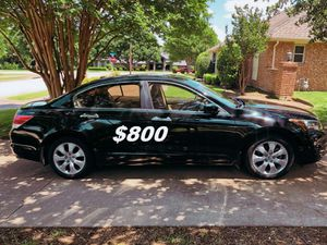 $8OO URGENT I'm selling my family's car 2OO9 Honda Accord Sedan Runs and drives great! Clean title. for Sale in Madison, WI