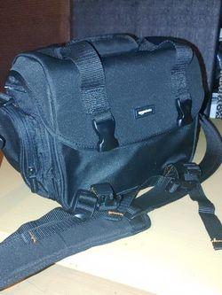 AmazonBasics Large Black DSLR Camera Bag for Sale in Decatur,  GA
