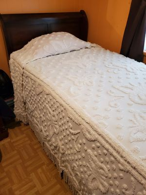 Sleigh bed and new mattress for Sale in Victoria, VA