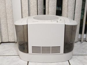 Honeywell 3 gal humidifier -hev685w for Sale in Staten Island, NY