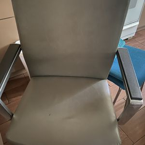 Office Rolling Chair for Sale in Los Angeles, CA