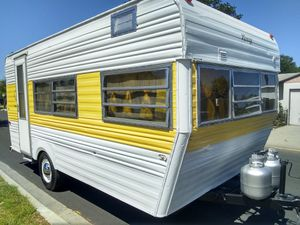 74 Terry 17 foot has toilet and shower excellent for summer time camping very nice and clean Ready to go camping for Sale in Paramount, CA