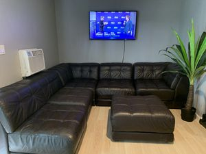 Brown leather sectional couch like new for Sale in Chino Hills, CA