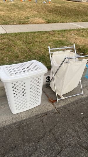 2 FREE HAMPERS for Sale in Fullerton, CA