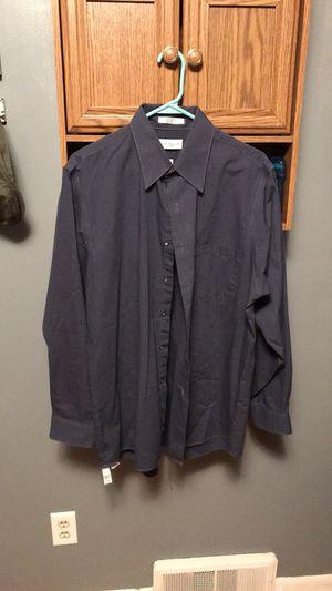 Van Heusen Dress Shirt for Sale in Lansing, MI