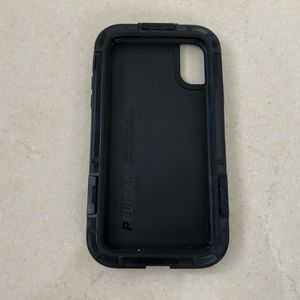Pelican Shield Phone Case For iPhone X for Sale in Miami, FL
