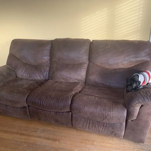 DARK BROWN MICROFIBER SECTIONAL $100- FAIR CONDITION for Sale in Mars, PA