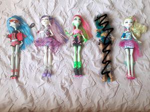 MH Dolls (18 Each) for Sale in Bellflower, CA