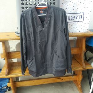 Dickies Medical Contemporary for Sale in Lynwood, CA