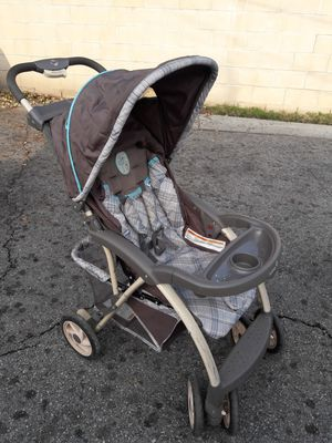 Winnie the Pooh stroller and infant car seat for Sale in San Gabriel, CA