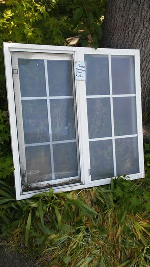 $20 Bathrm Window Frosted for Sale in Eugene, OR