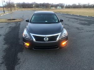 For sale R/Title 2013 Nissan Altima sv 56k miles Sunroof Nav Fog lights for Sale in Claymont, DE