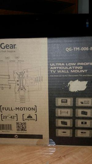 Qualgear tv full motion mount for Sale in Minot, ND