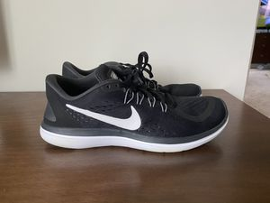 Women's Nike sneakers size 7.5 for Sale in Saint Charles, MO