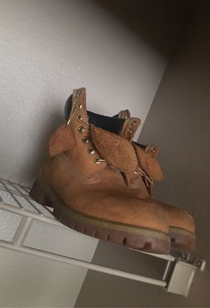 Timbs size 9,5 for Sale in Houston, TX