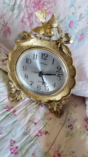 Antique gold bird table clock. for Sale in Cypress, CA