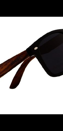 WOODIES WALNUT WOODFARER SUNGLASSES WITH POLARIZED LENSES for Sale in Woodbridge,  VA