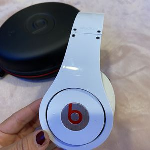 Beats Studio By Dr.Dre for Sale in Los Angeles, CA