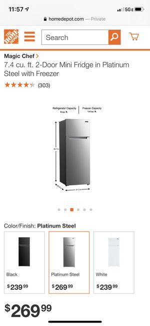 Mini refrigerator and freezer for Sale in North Miami Beach, FL