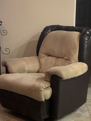 Tan/beige suede microfiber recliner for Sale in Apopka, FL