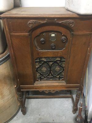 Vintage radio for Sale in Cashmere, WA