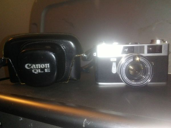 CANON QL ETQL19 CAMERA W/CASE